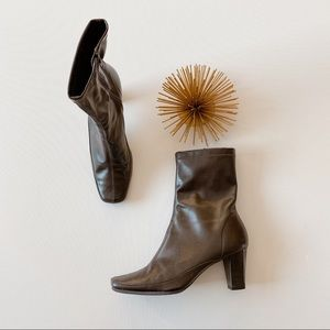 Aerosoles • square toe ankle boots